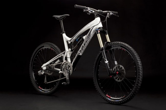 Santa Cruz launched the new carbon Nomad