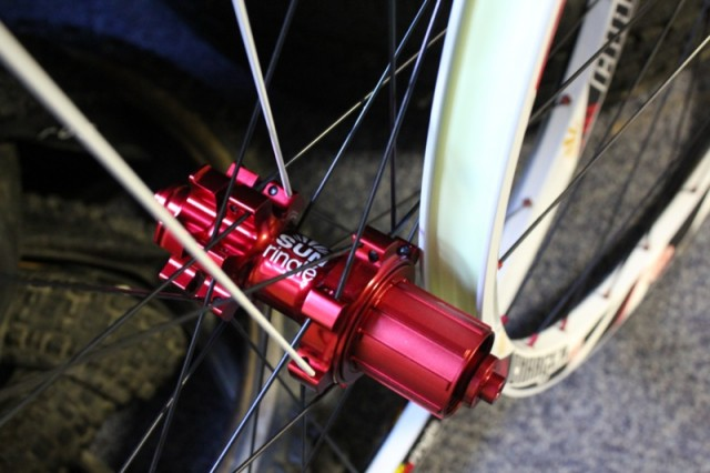 The red anodised freehub (photo taken when the wheels first arrived).