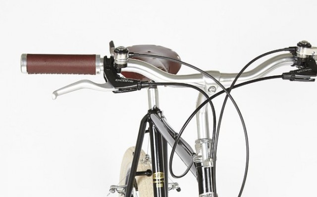 Quill stem and four-finger levers?  Ooh yes.