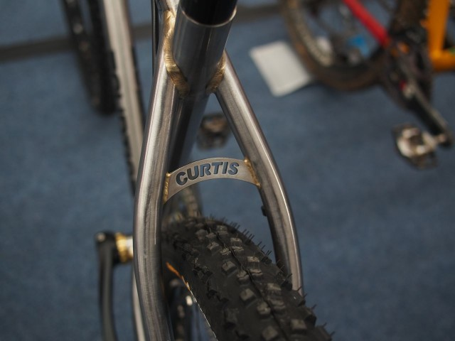 Seatstay bridge