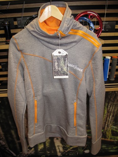 Ladies side zip hoody.