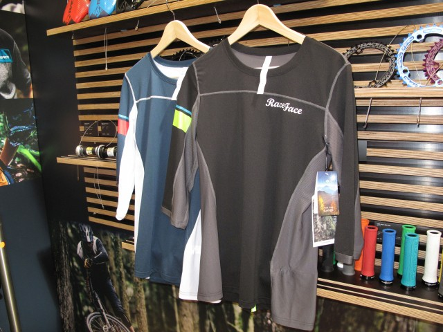Khyber Race face Women's jerseys