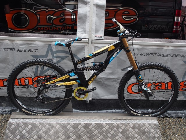 Orange DH team bikes go 27.5