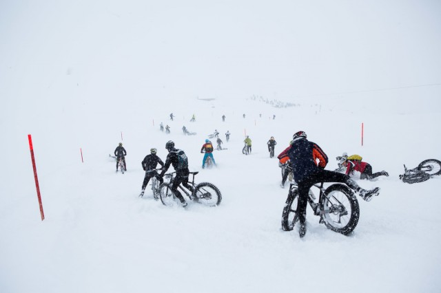 Carnage on the slopes during stage 5 of the first Snow Epic, the Trübsee climb near Engelberg, in the heart of the Swiss Alps, Switzerland on the 17th January 2015 Photo by: Nick Muzik / Snow Epic / SPORTZPICS