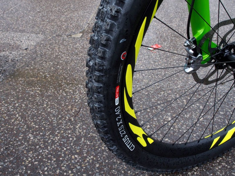 Super wide rims with tyres to suit