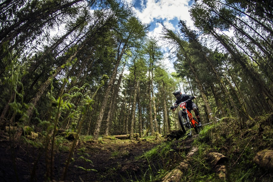 SN_Singletrack_Tweedlove_Fri00