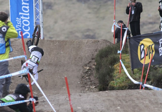 manon carpenter singletrack magazine crash fort william 2015