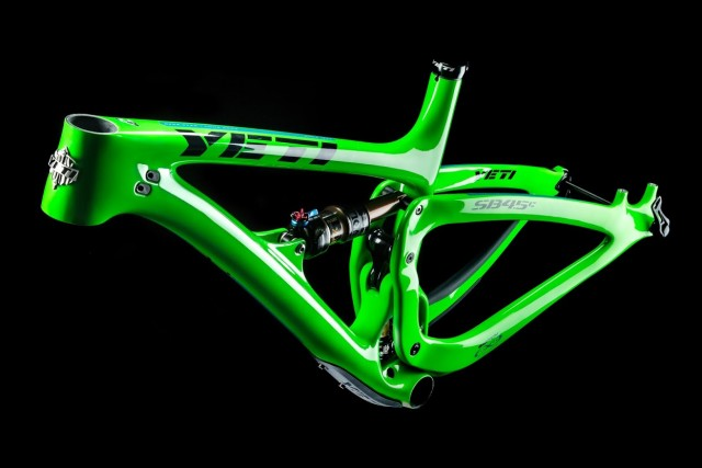 The frame weighs 2.45kg with internally routed cables and a Fox Float Factory DPS shock