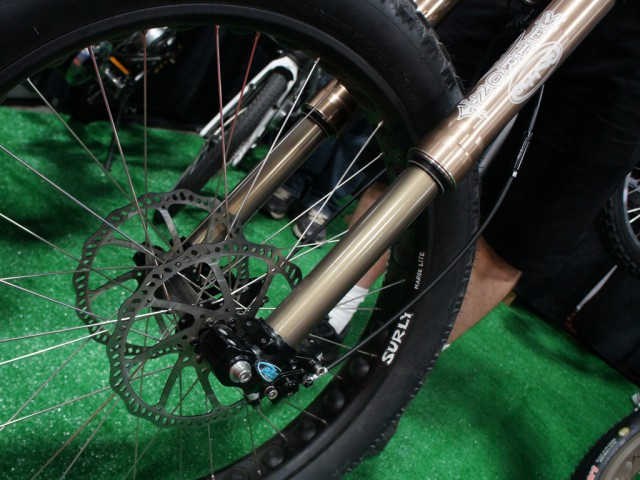 "Risse Metron: 150-225mm travel 150mm hub spacing Dual Discs Perfect for ""urban, downhill, or e-bikes"" Oh my."