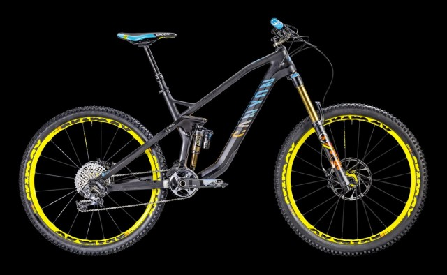 Canyon Strive CF 9.0 Team (Stand K63). £4,299