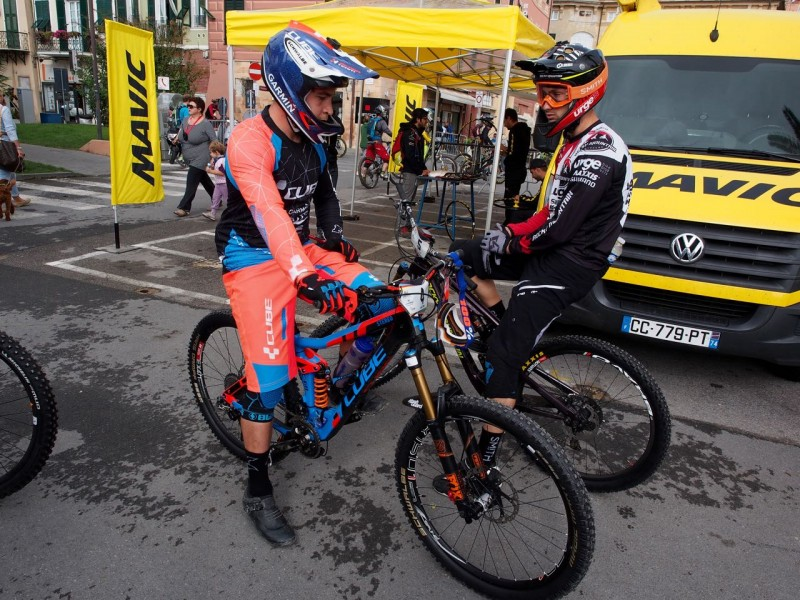 Nico Lau is also running a coil shock, teammate Greg Callaghan is swapping to one after Stage 2
