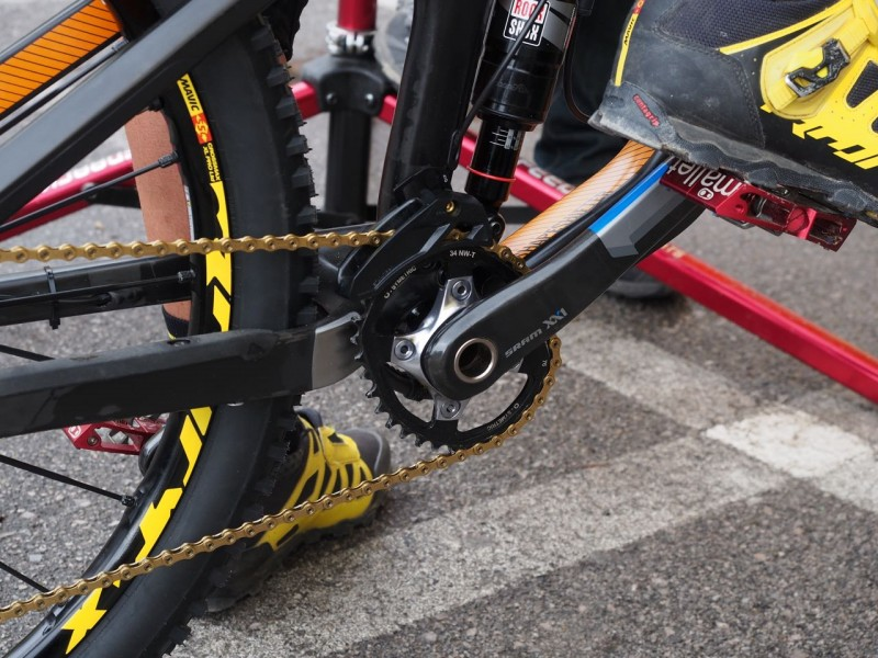 Fabien is running a 34t oval Osymetric ring