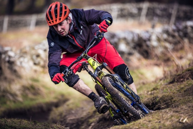 Chris Smith wears Endura SingleTrack Jacket singletrack magazine