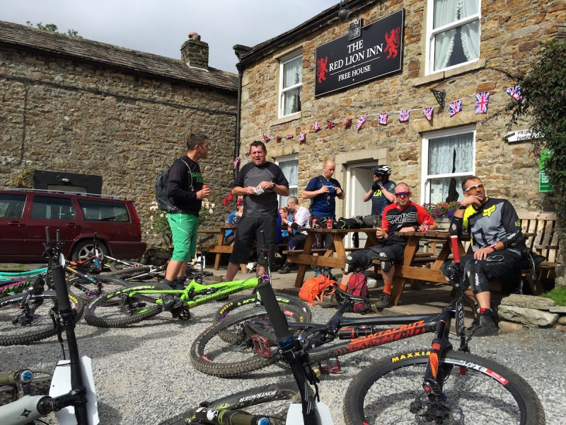 ard rock enduro race pub beer mountain bike