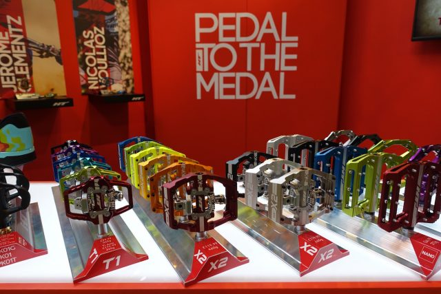ht pedals titanium axle flat clipess spd aaron gwin nico voillouz jerome clementz cycle show jared graves