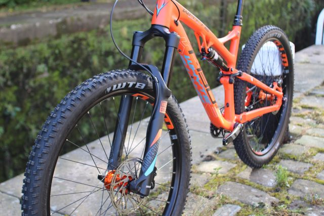 whyte t 130 trail bike 27.5 130mm rockshox monarch yari boost 1x11 sram reverb
