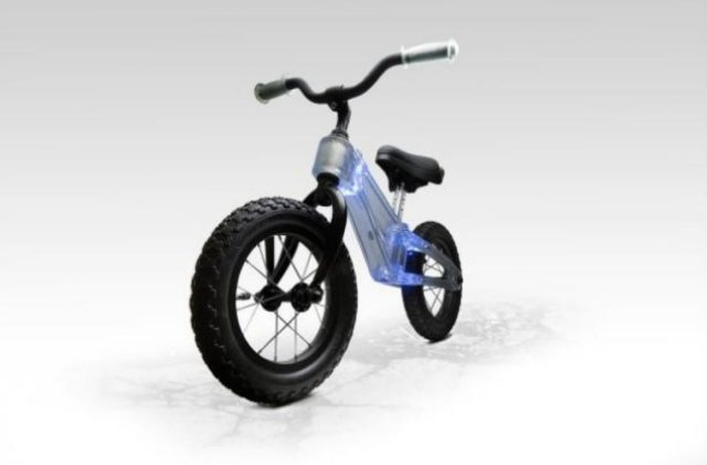 Light Up Balance Bike Ride Phantom