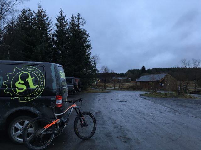 wil singletrack van giant trance winter grey wet drizzle