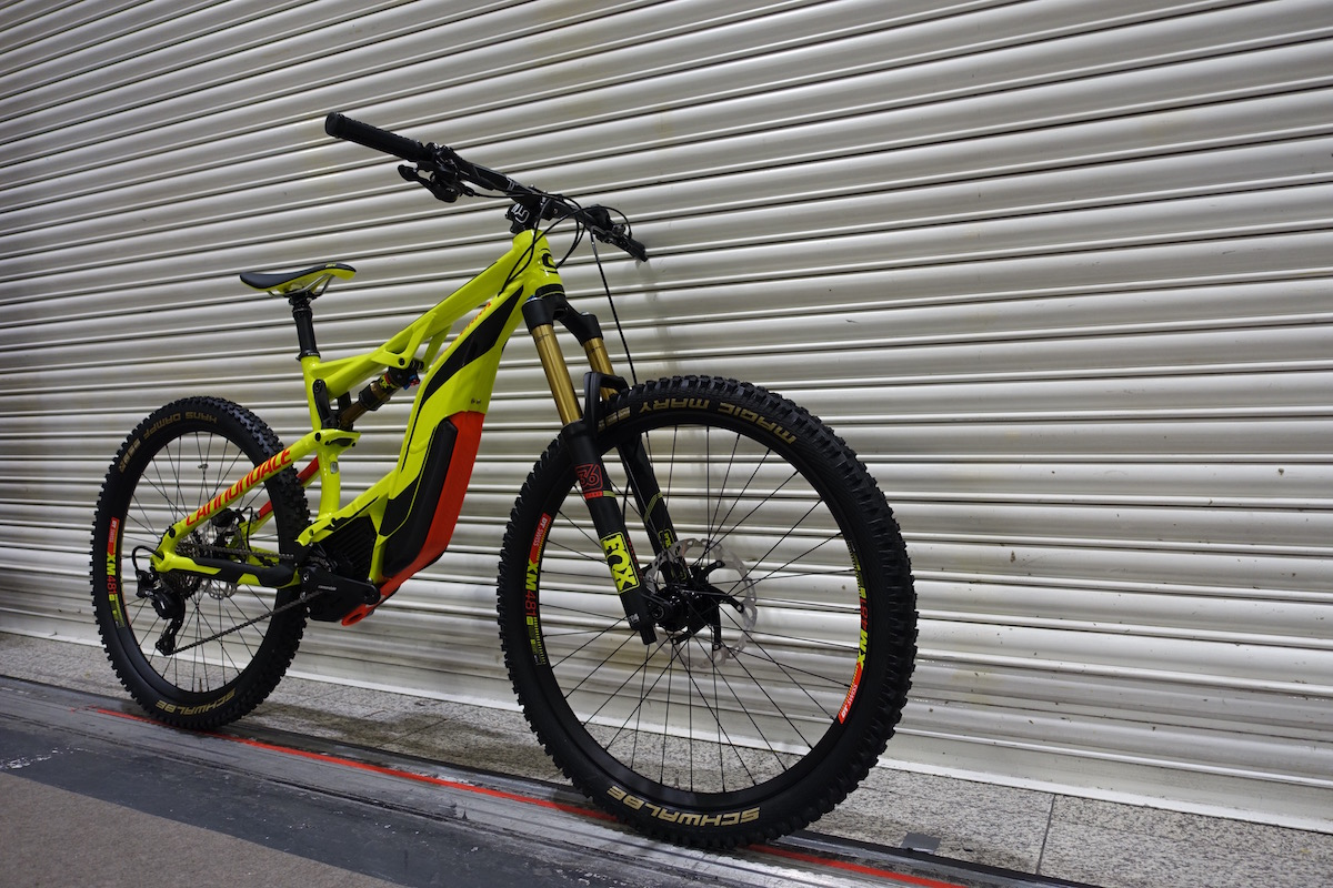 E Mtb Two Ways The Cannondale Moterra Singletrack Magazine