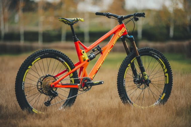 2017 Intense Tracer red
