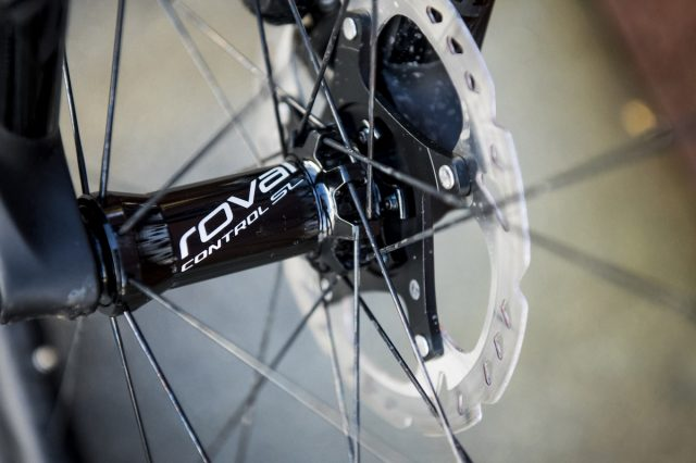roval carbon fibre rim tubeless specialized