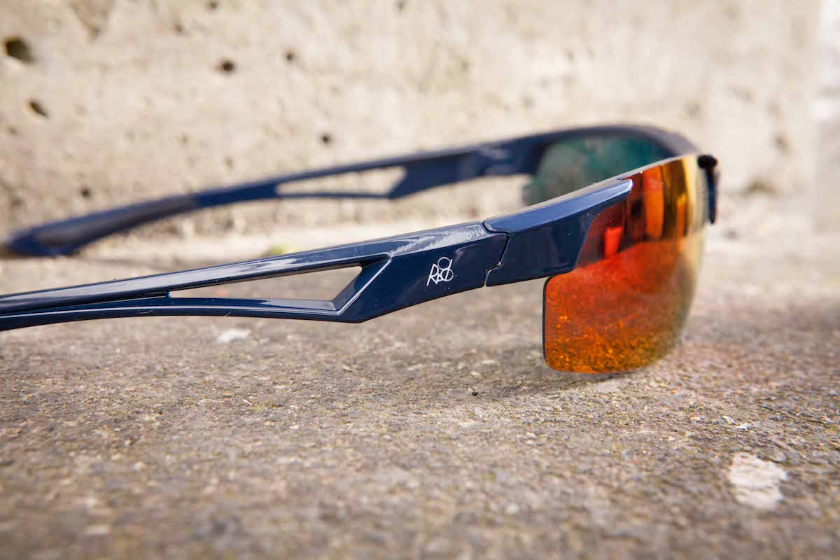 rad8 riding glasses tom hill photochromic