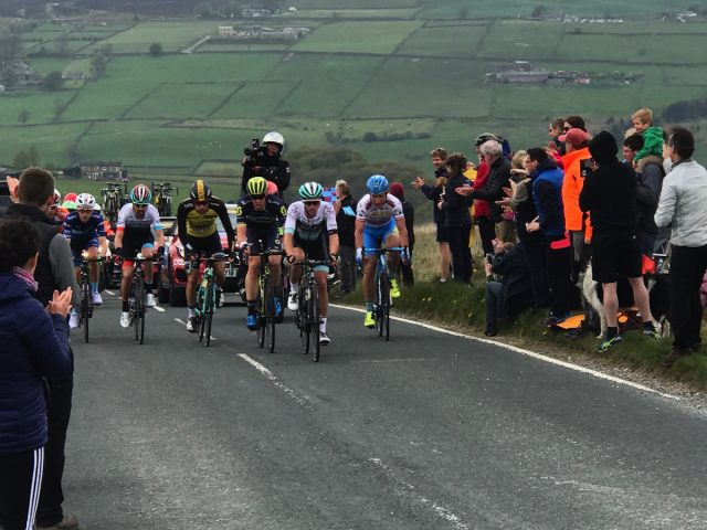 tour de yorkshire road riding racing lycra