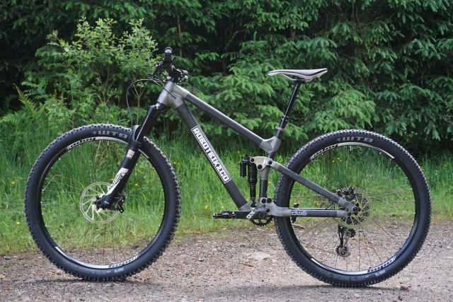 robot r130 29er bike co fort william