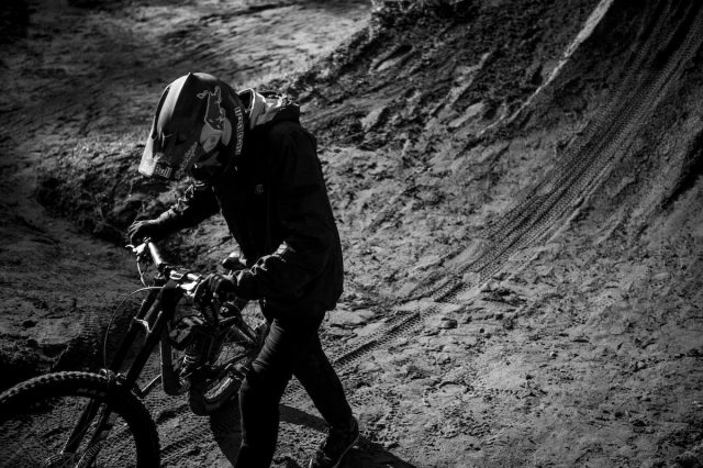 brandon semenuk trek dirt jump slopestyle