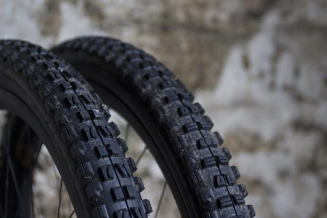 maxxis minion dhf dhr wide trail 2.5in 2.4in exo 3c tubeless tyres