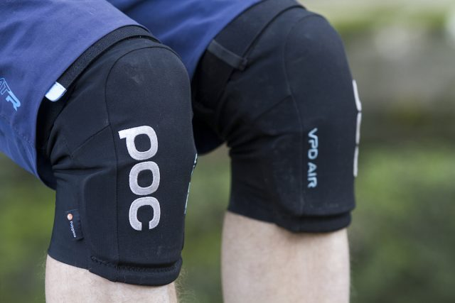 poc vpd air knee pads issue 112