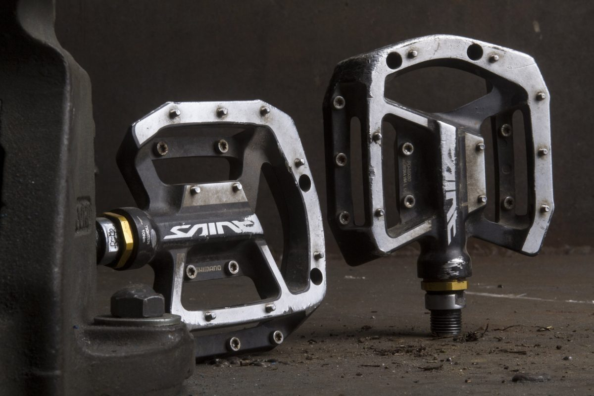 review shimano saint pd mx80 flat pedals singletrack. Black Bedroom Furniture Sets. Home Design Ideas