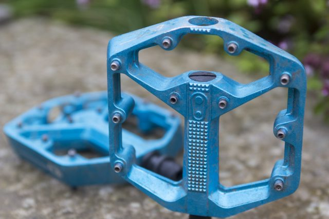 crank brothers stamp flat pedals