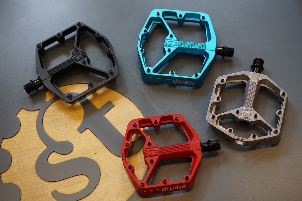 The Stamp 2 And 3 Flat Pedals Are Also Available In Small Large Sizes Feature Adjustable Pins Too
