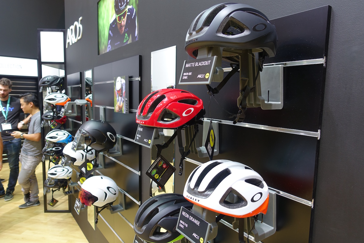oakley bike helm