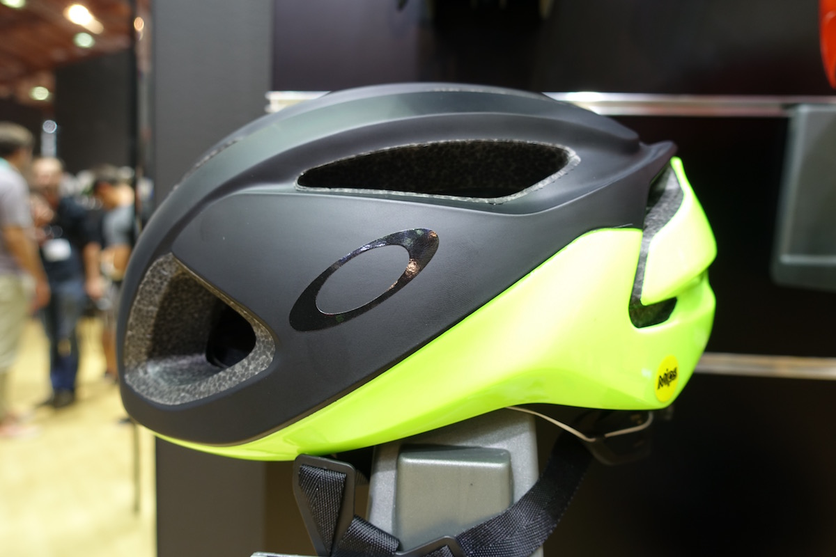 oakley helm bike
