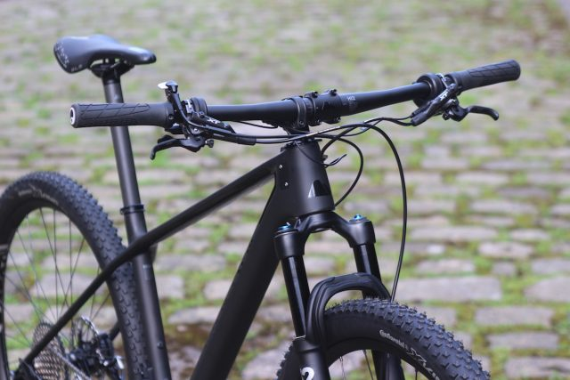 canyon exceed carbon hardtail di2 step cast sc