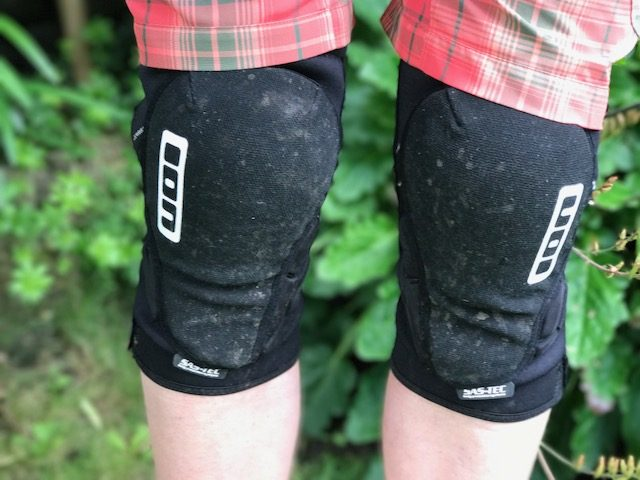 Ion K Lite Zip Knee Pad