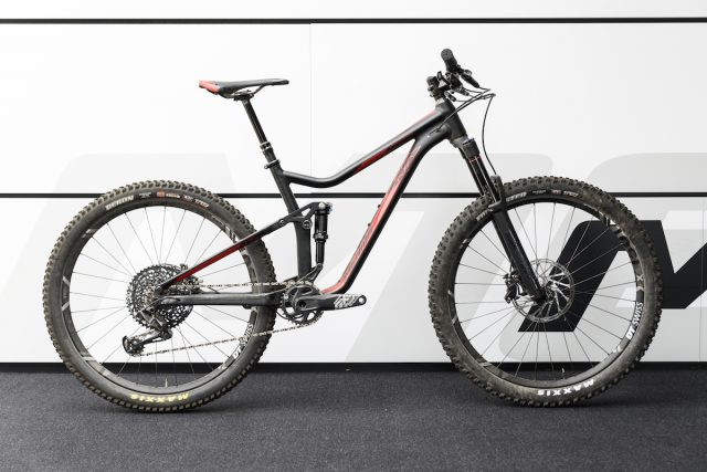 http://singletrackworld.com/2016/05/from-race-to-trail-merida-launch-three-new-big-hardtails/