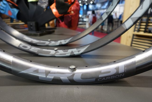 race face next sl carbon wheel arc rim