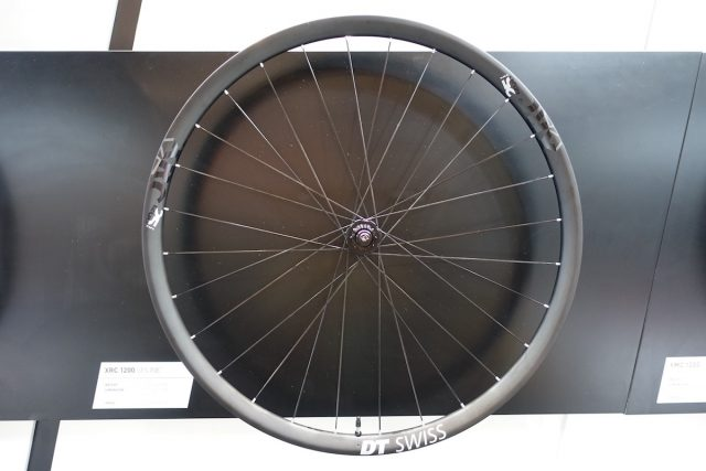 dt swiss carbon wheel spline