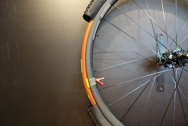deaneasy tubeless tyre