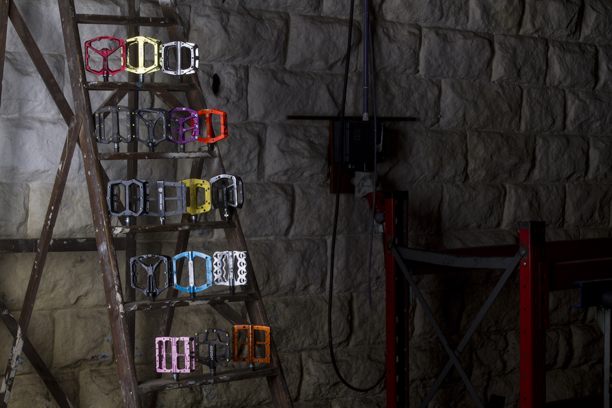 17 Flat Pedals Tested & Reviewed | Singletrack Magazine