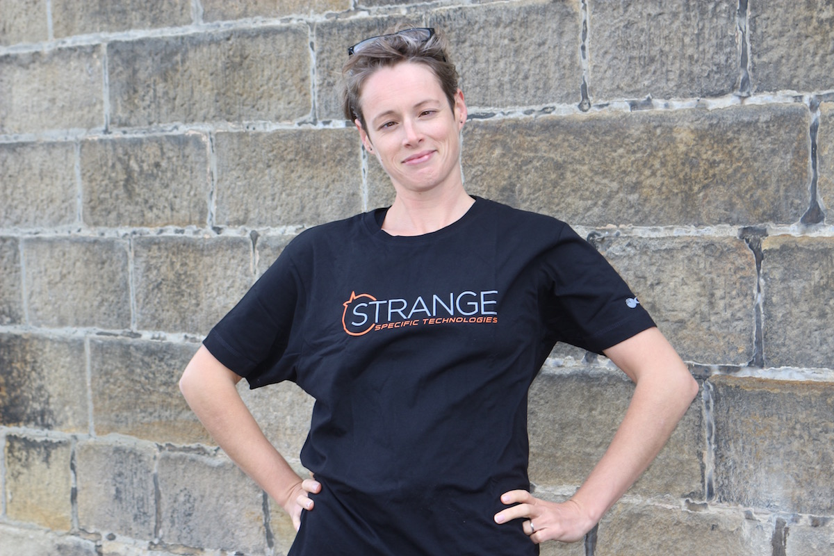 hannah strange tshirt orange