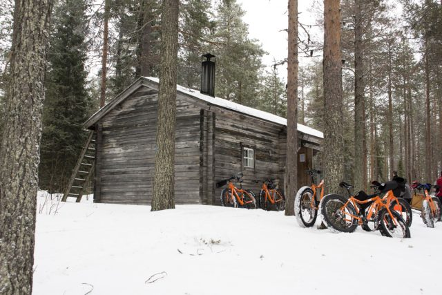 hannah dobson, issue 115, finland, fat bike