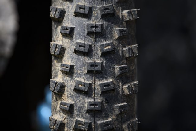 vee crown gem tubeless tyre issue 114