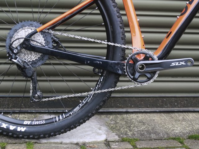 genesis mantle carbon hardtail