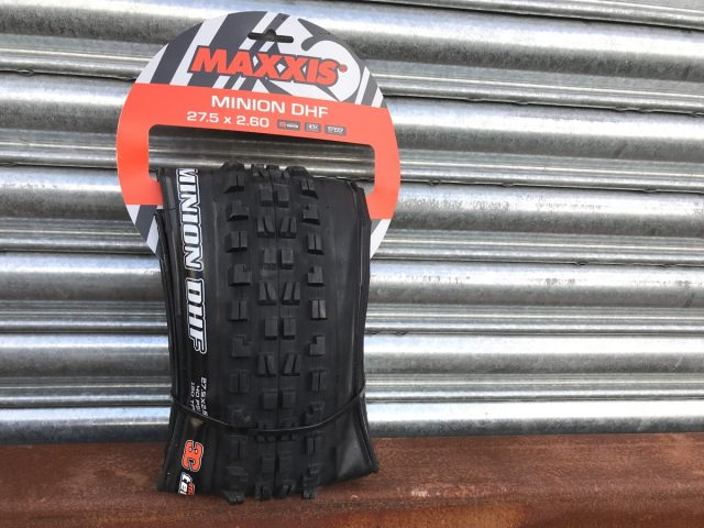 maxxis minion 2.6in tyre