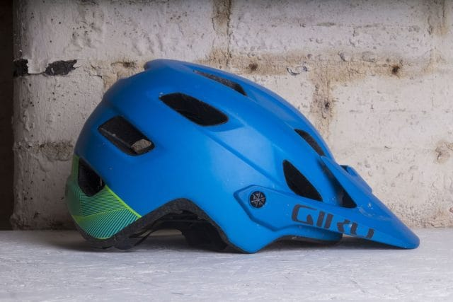 giro chronicle helmet mips