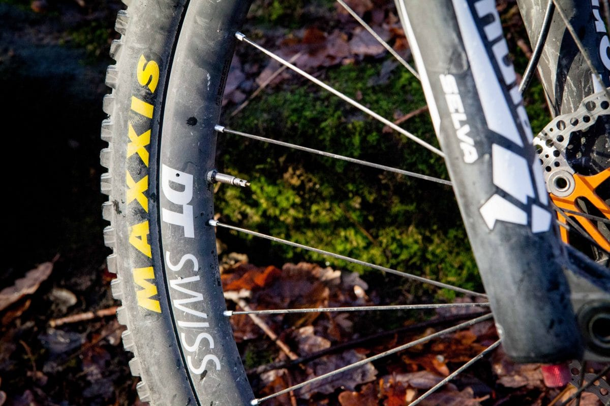 DT Swiss XMC1200 singletrack review tom hill